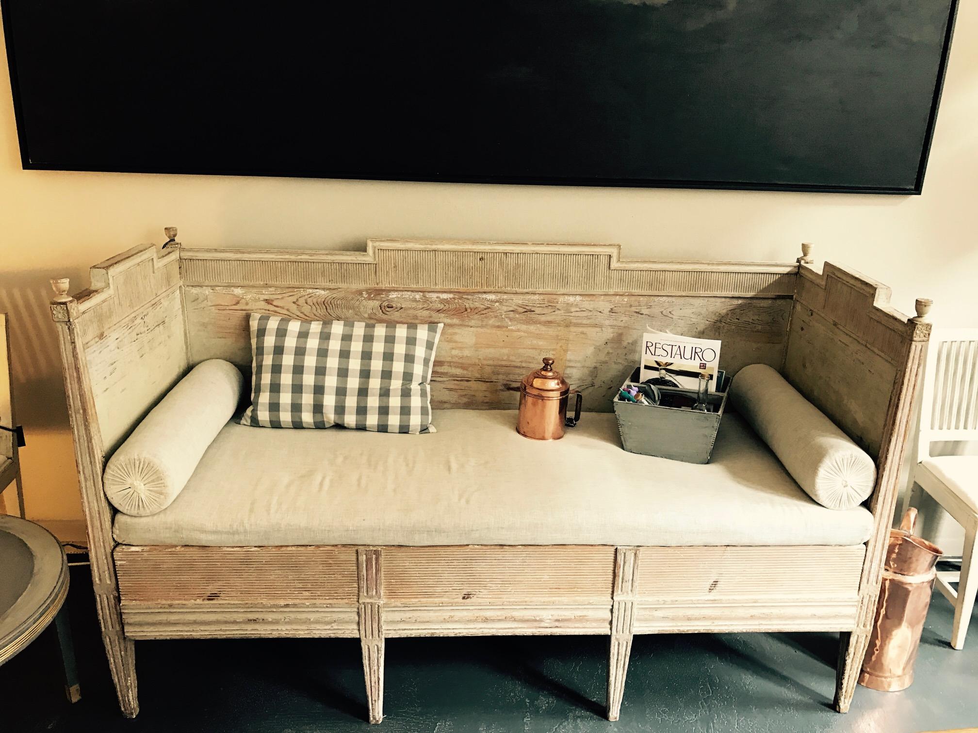 Schwedisches Sofa-01